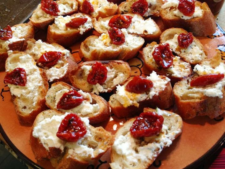 Ricotta and Sun Dried Tomato Crostini | Antipasto, Appetizers & Drink ...