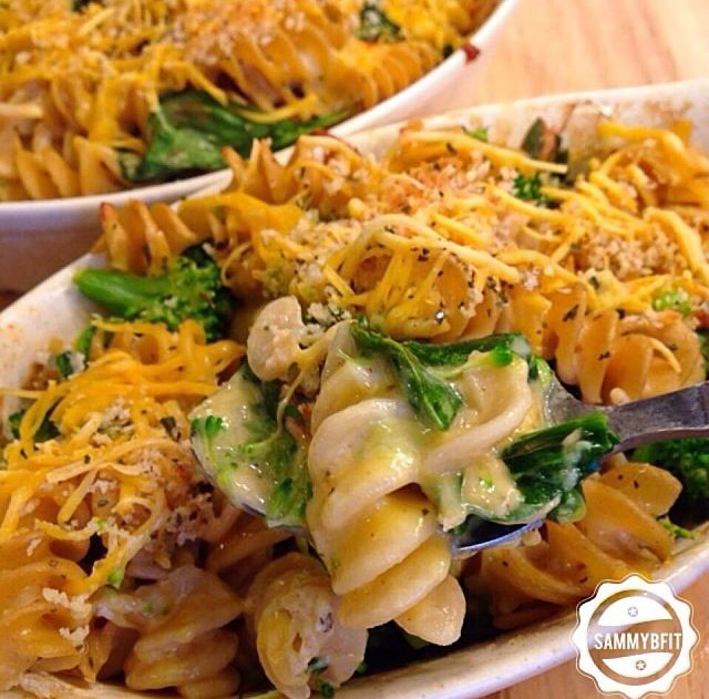 Broccoli and basil Mac and cheese | Pastas and meatballs | Pinterest