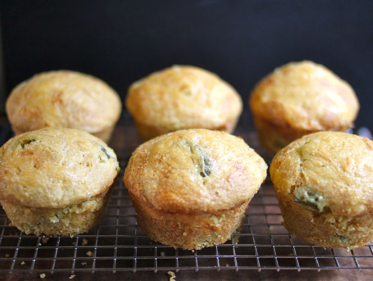 Jalapeno Cornbread Whoopie Pies With Honey Buttercream Recipes ...