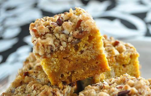 Streuseled Caramel Pumpkin Blondies | Recipe