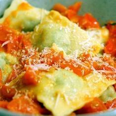 Arugula Ravioli (via www.foodily.com/r/unylrE5Yz-arugula-ravioli)