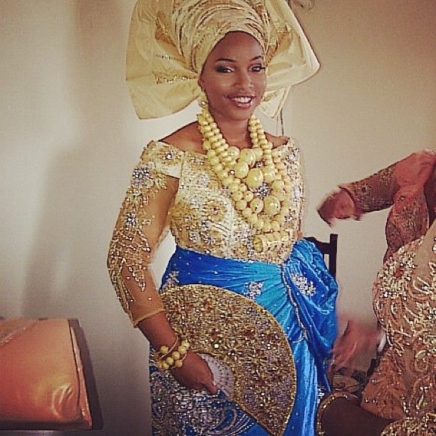 .@kayge27 | A #smile from a #happy #heart!  #beauty #africanbride #nigerian #gold #tradit...