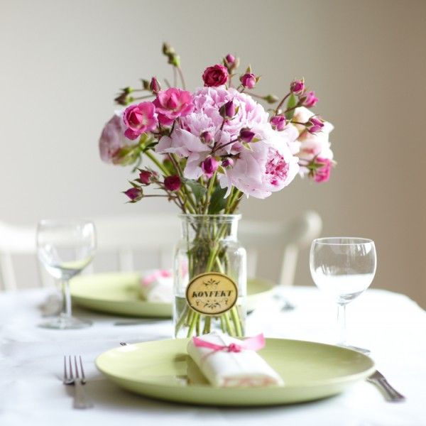 Simple And Lovely Table Arrangement Wedding Ideas