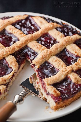 Italian Crostata with cherry jam II, You can find the recipe here ...