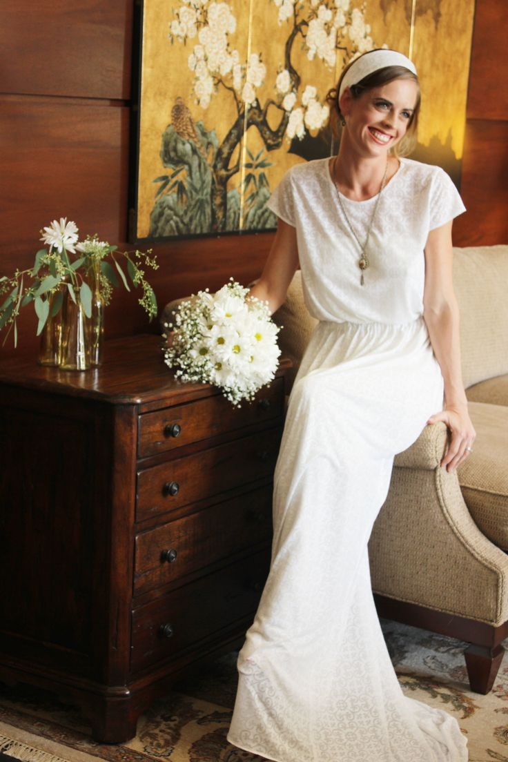 Wedding Gowns Austin Texas : Easy and simple silhouette for a casual style wedding