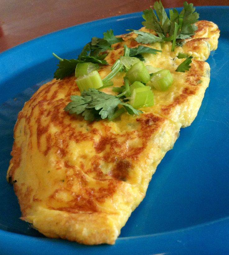 Julia Child's rolled omelet - Thai style ( paleo ) | OEUFS ET CIE ...