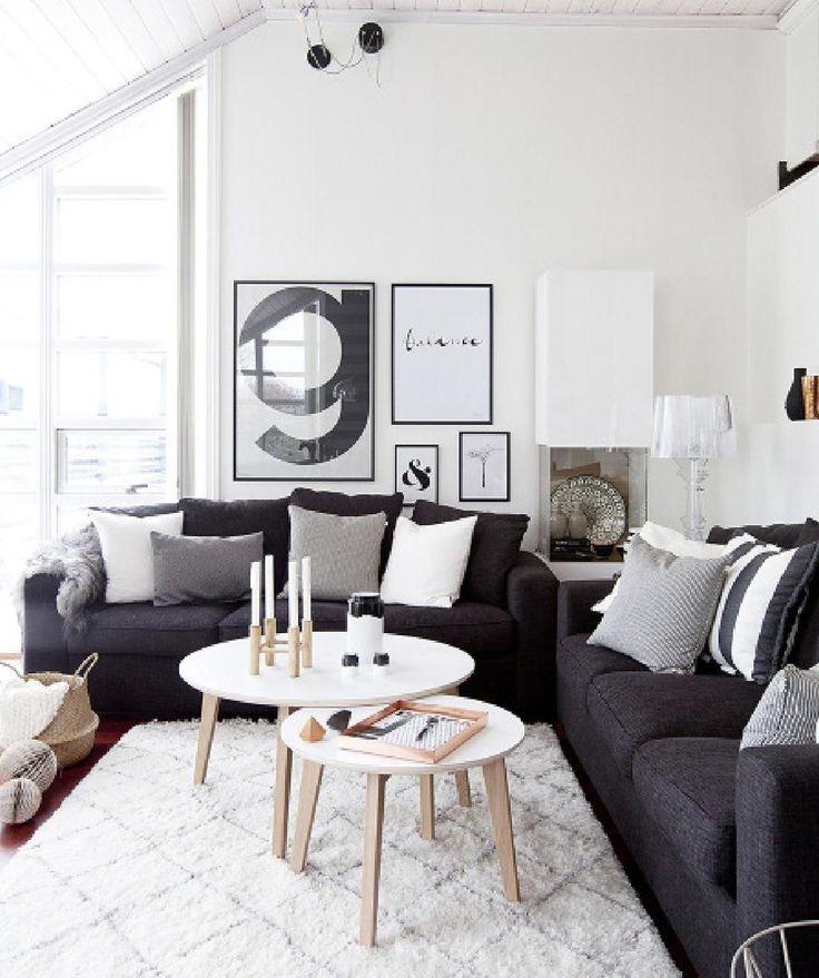 Woonkamer met Dark Sofa Decoratie Ideeën