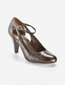 These are great shoes. I love shoes that have a strap around the front of the foot. Coloring is nice, too. Only $39.99, reduced at Peebles.