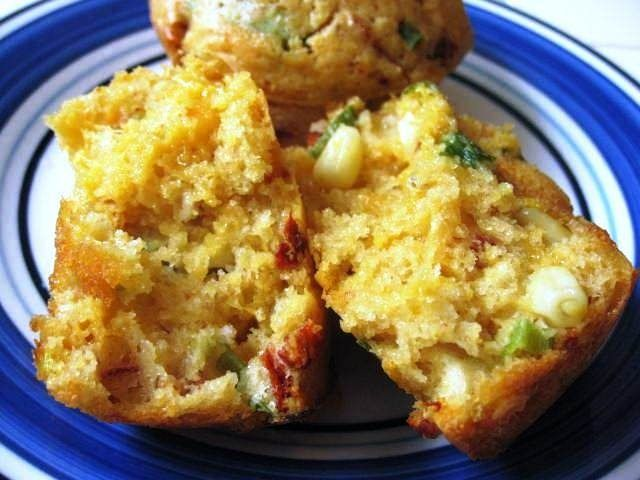 CHIPOTLE CHEDDAR BEER CORN BREAD MUFFINS | Bread | Pinterest