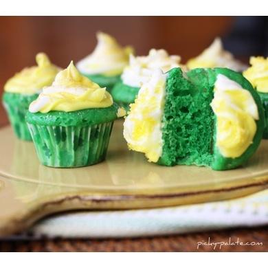 Green Velvet Baby Cakes | St. Patrick's Day | Pinterest