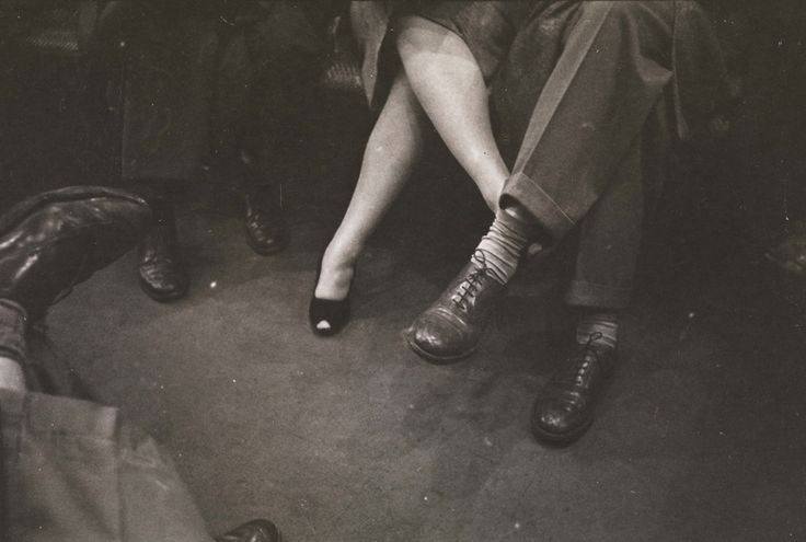 """LIFE AND LOVE ON THE NEW YORK CITY SUBWAY"" BY STANLEY KUBRICK, 1946"