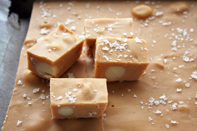 salted caramel macadamia nut fudge | Sweets | Pinterest