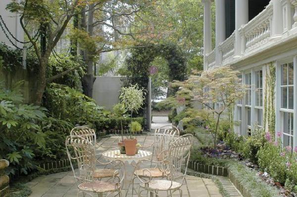 Morning coffee in a savannah garden have a seat pinterest for Landscaping rocks savannah ga
