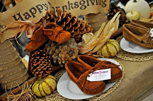 Nokomis Shoe Shop's Minnetonka Holiday Display