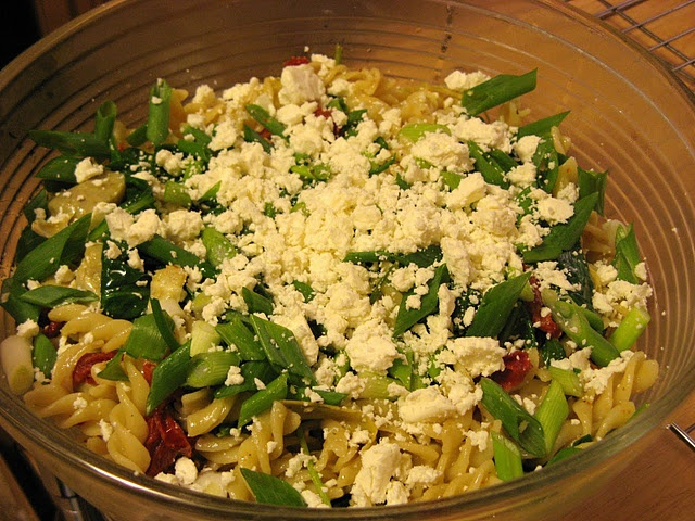 Pasta with Artichokes, Sundried Tomatoes, Spinach, and Feta