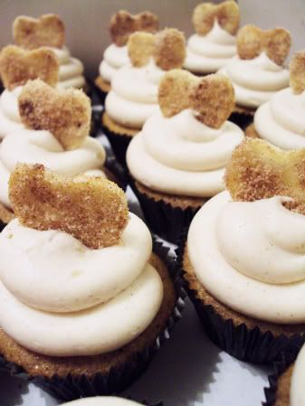 brown sugar cinnamon cupcakes with cinnamon cream cheese frosting and ...