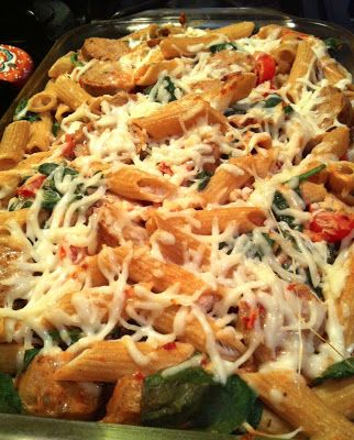 ... light pasta bake with chicken sausage, mozzarella, spinach & tomatoes