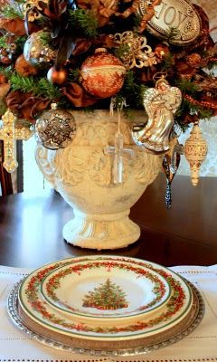 lovely ornament urn...