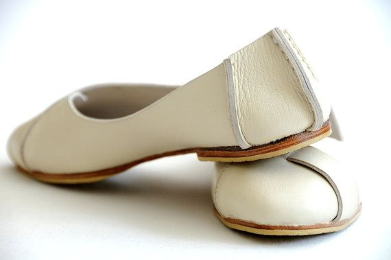 NATIVE. ballet flats / womens leather shoes / flat shoes / sizes: US 4