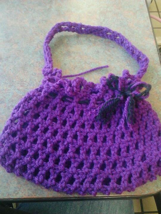 Little girls purse (crochet) crochet Pinterest