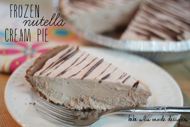 Frozen Nutella Cream Pie- super simple to make and is absolutely delicious!