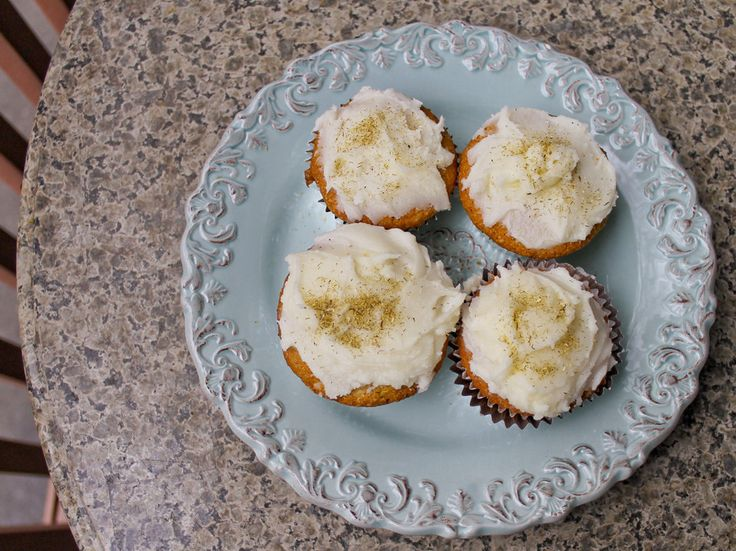 Gojee - Chamomile Cupcakes with Honey Glaze by Pippi's in the Kitchen ...