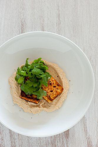 chilli spiced tofu with hummus | Vegan ~ Vegetarian | Pinterest