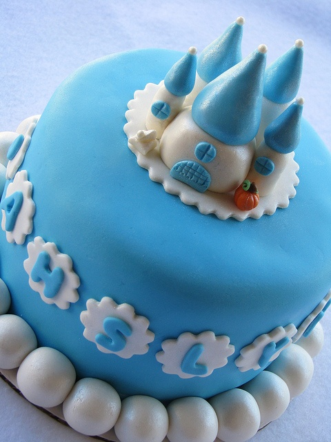 Cinderella Castle Cake by Lynlee's Petite Cakes, via Flickr