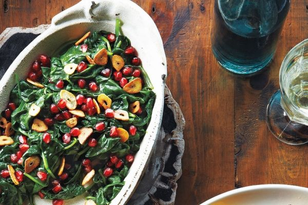 Pomegranate Spinach With Garlic Chips | Recipes | Pinterest