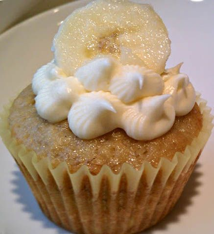White Chocolate, Peanut Butter And Banana Cupcakes Recipe — Dishmaps