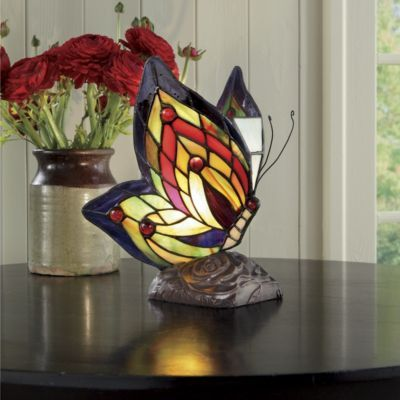 stained glass butterfly lamp fantine 39 s butterfly pinterest. Black Bedroom Furniture Sets. Home Design Ideas