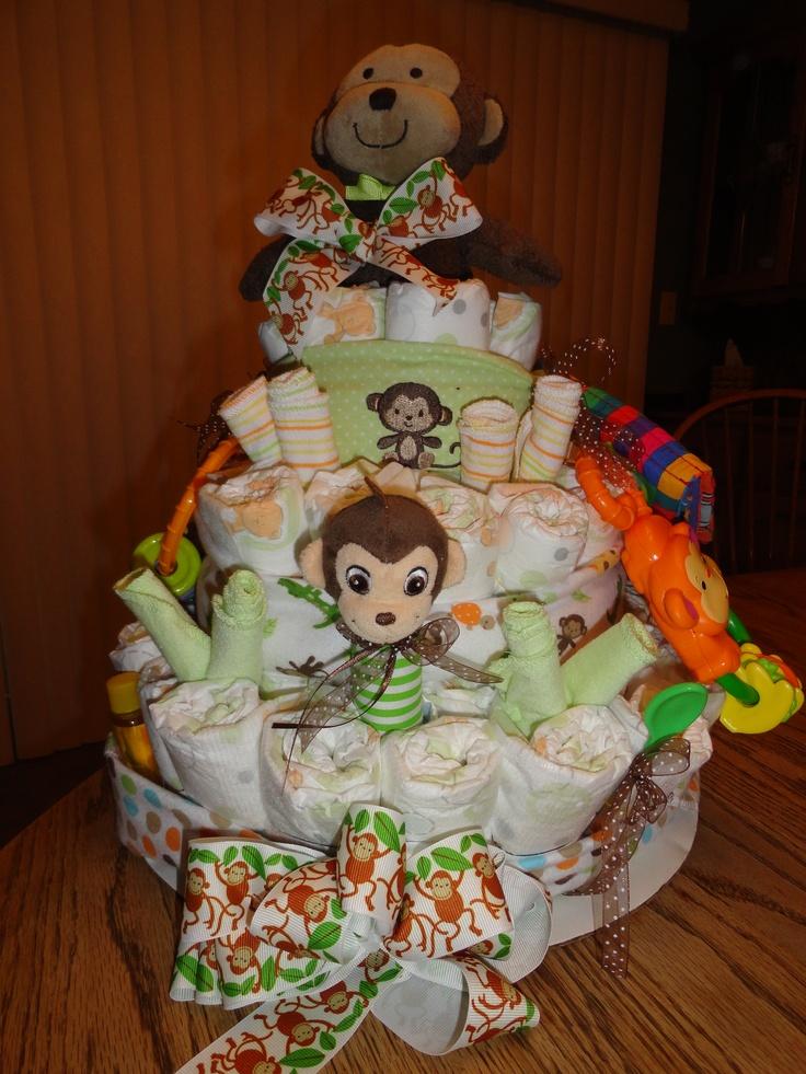 Diaper cake using a mo...