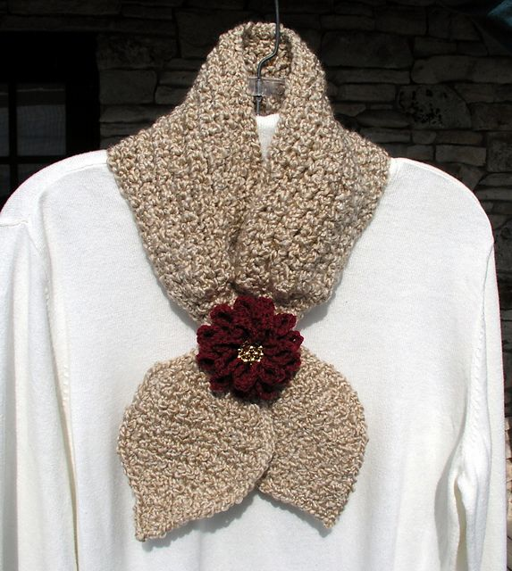 Free Crochet Patterns Keyhole Scarf : Pin by Doris Moudy on Crochet Scarfs/Neckwarmers Pinterest