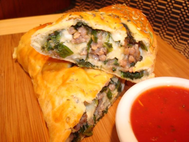 Spinach Sausage Stromboli | food & drinks | Pinterest