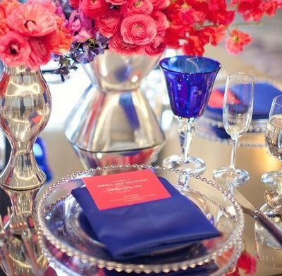 Flowers and more: Cayenne with a dazzling blue theme. Stand next to this table setting in your white wedding dress ladies, and you will catc...