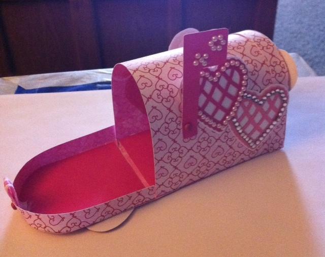 valentine heart mailbox