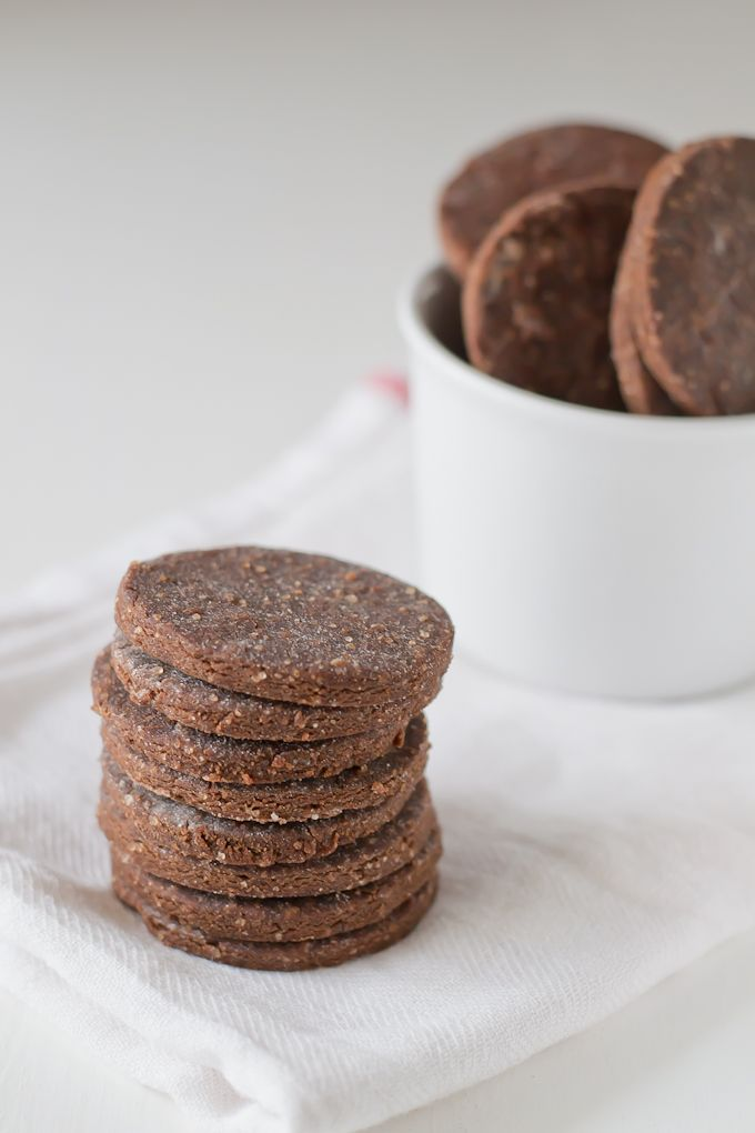 ... Oreos (Gluten-Free) | http://minimaleats.com/homemade-oreos-gluten