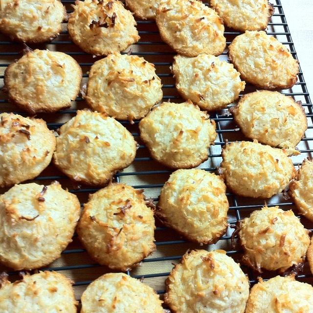Coconut-Macaroon Sundaes Recipe — Dishmaps