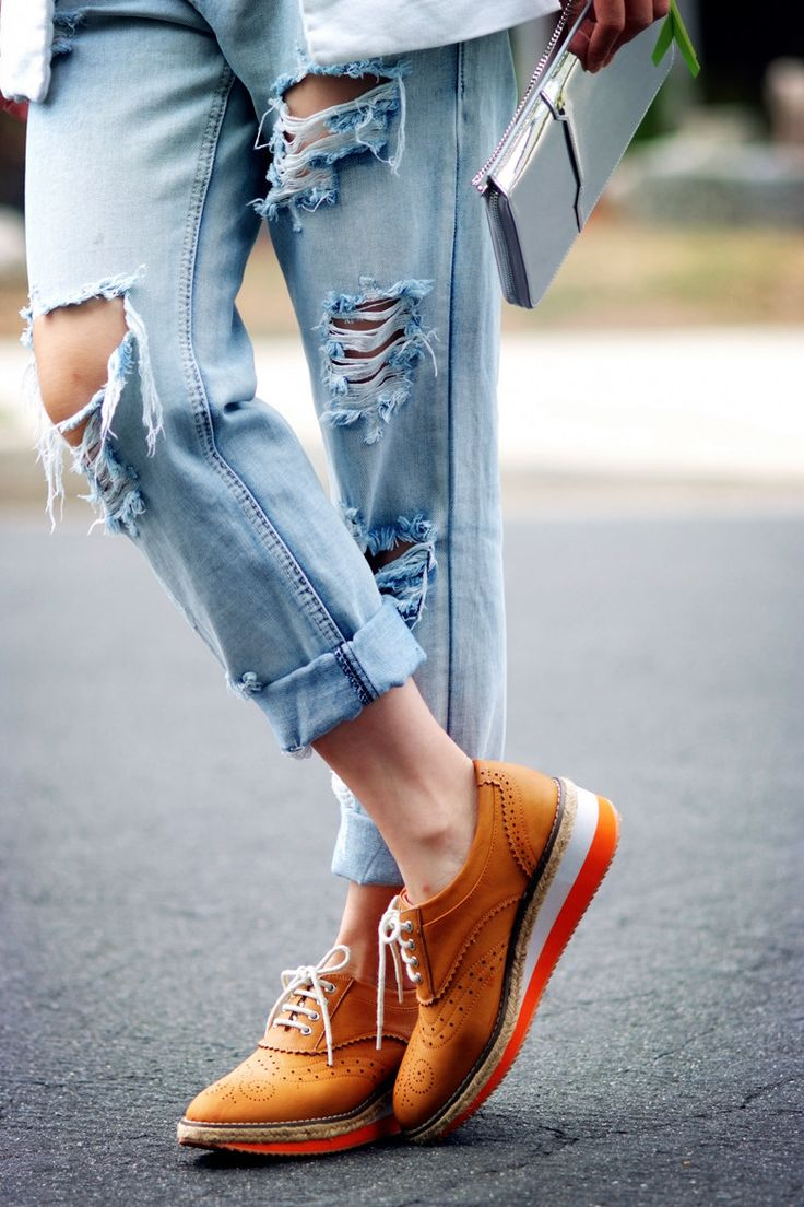 Jeans and shoes fashion 80