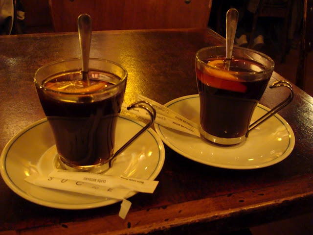 Vin Chaud a la Cannelle. Warm Spiced Wine with Cinnamon-PARIS ...