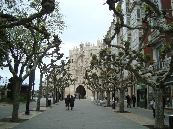Paseo del Espolón, Burgos  Burgos Castela  Pinterest