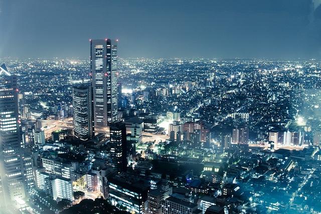 Tokyo at night by Matt Warrell, via Flickr