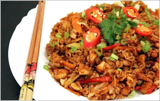 Malaysian Mee Goreng (Fried Noodles) | Curries and Noodle Dishes | Pi ...
