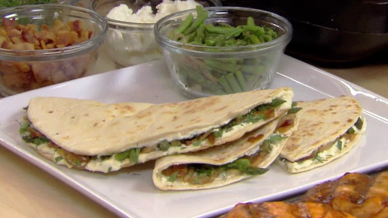 ASPARAGUS, BACON AND GOAT CHEESE QUESADILLA