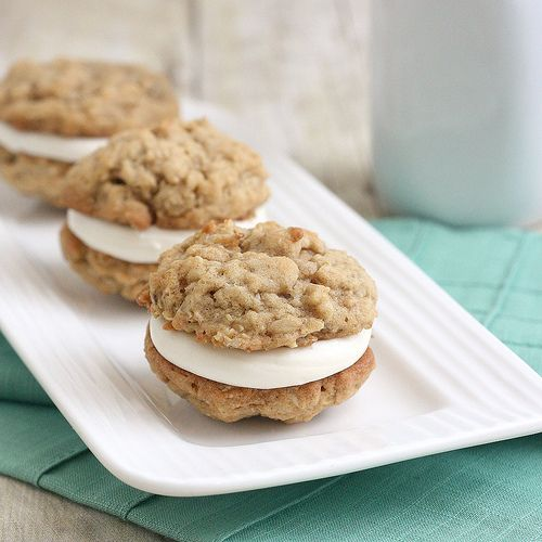 Oatmeal Creme Pies.  These look so yummy!
