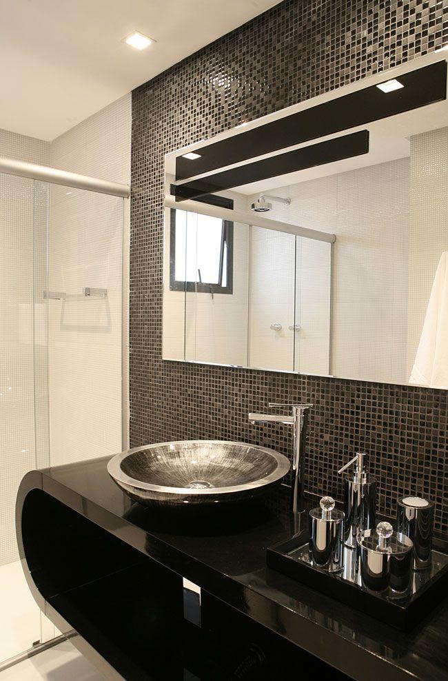 Preto e branco, Banheiro