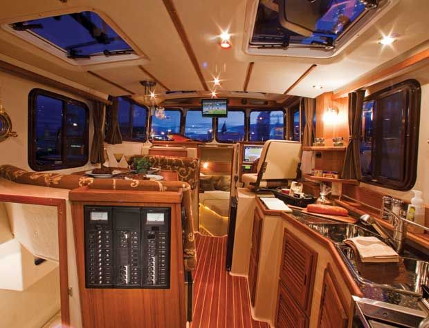 Luxury Truck Sleepers Autos Post
