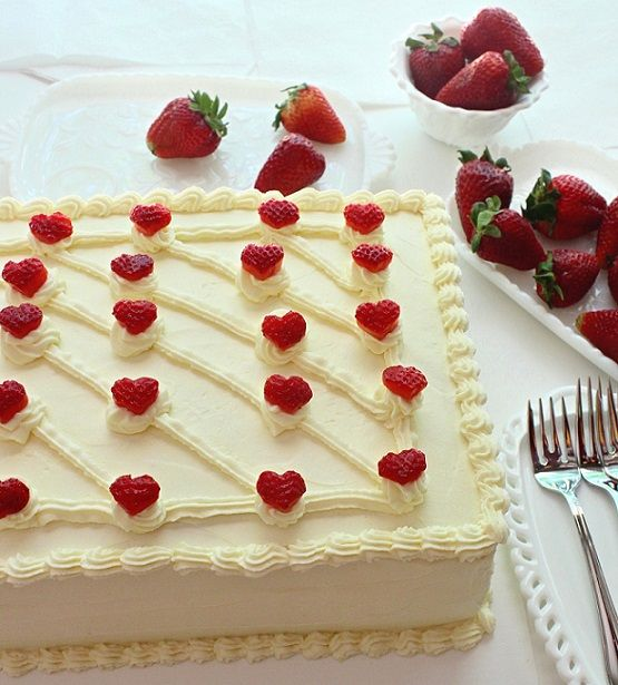 Cake Design With Strawberries : SugaryWinzy Strawberry Hearts Cake Cakes Pinterest