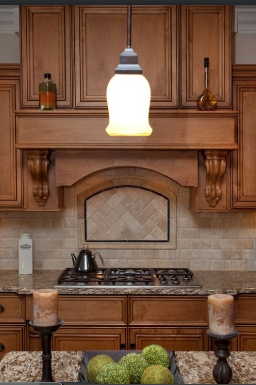 backsplash tile behind stove is in a different pattern love it