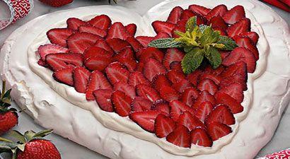 Wedding cake Pavlova   Wedding   Pinterest